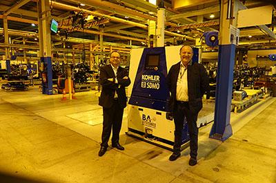 Hervé Prigent, président de SDMO Industries (à gauche) et Patrick Le Guen, vice-président Ventes Export SDMO Industries, lors de la visite de leur site de production à Guipavas, visite organisée à l'issue de la réunion de lancement du WTC Brest.