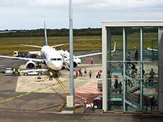 Avion Ryanair à l'aéroport de Brest Bretagne (crédit photo : Aéroport Brest Bretagne)
